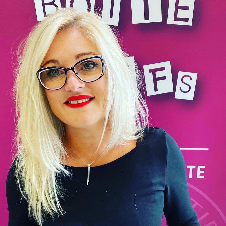 Stéphanie-Catherine-Gérante-et-Coiffeuse-La-Boîte-à-Tifs-des-4-M-Brest